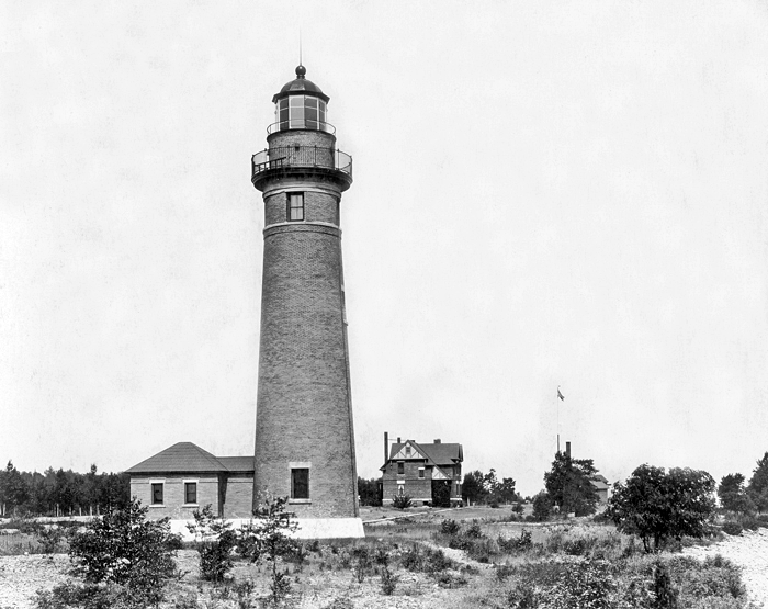 and bing has a satellite view marvin theut purchased the duplex and fog signal building in and in he chartered the middle island lighthouse