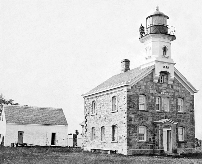 Old Field Point Lighthouse New York At Lighthousefriends Com