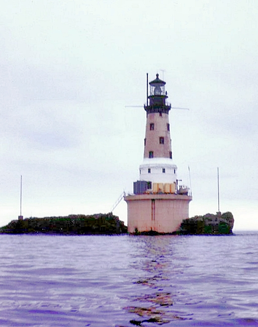 rock of ages lighthouse  michigan at lighthousefriends com