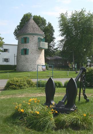 verch res village range rear lighthouse quebec canada at. Black Bedroom Furniture Sets. Home Design Ideas