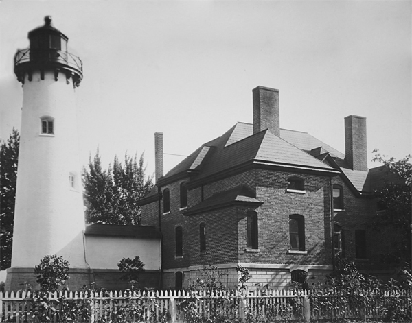 Lighthouses Of The US Michigans Eastern Lower Peninsula - Discontinued lighthouse border